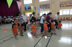 3.Chairs Race with Parents