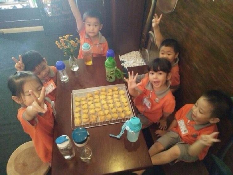 4-making-cookies
